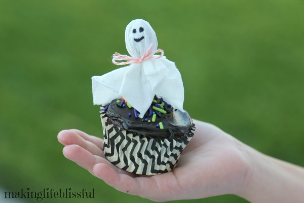 Lollipop Tissue Ghost CUPCAKES