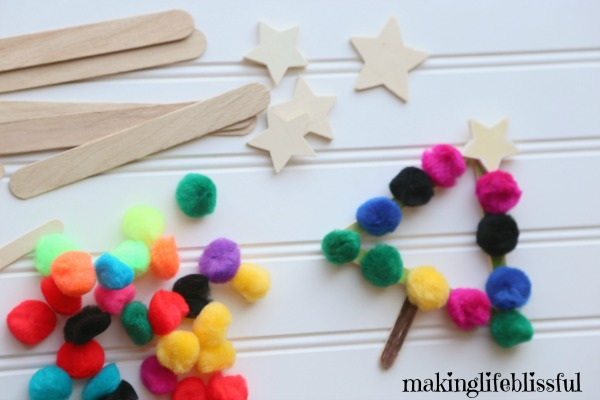 How to make this Christmas tree craft for kids