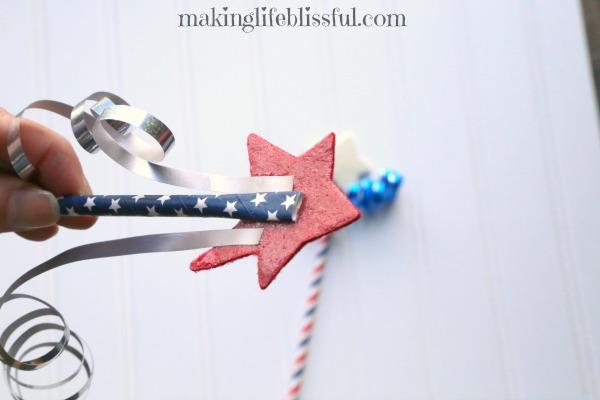 How to make patriotic parade wands