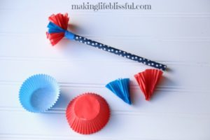 Easy 4th of July parade wand craft for kids