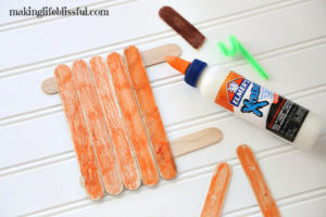 How to make the easy craft stick pumpkin craft for kids