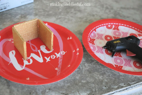 how-to-make-graham-cracker-house