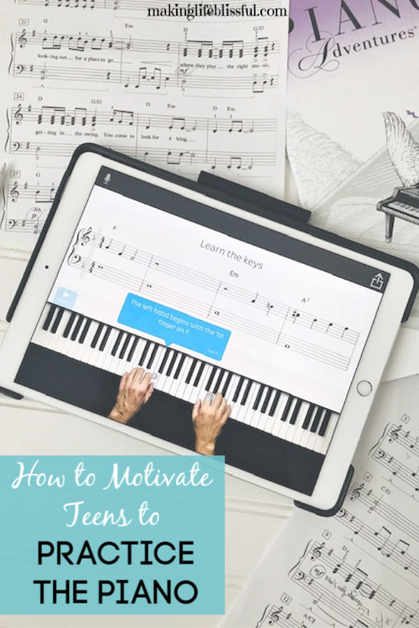 learning-to-play-the-piano-with-skoove