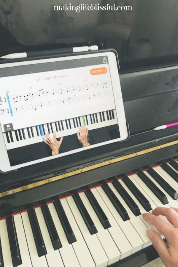 learning-to-play-piano-with-skoove