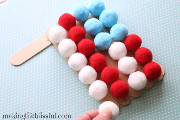 pom-pom-flag-craft-for-kids