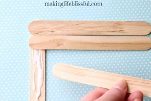 craft-stick-flag-craft-for-kids