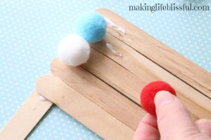pom-pom-flag-craft-for-kids